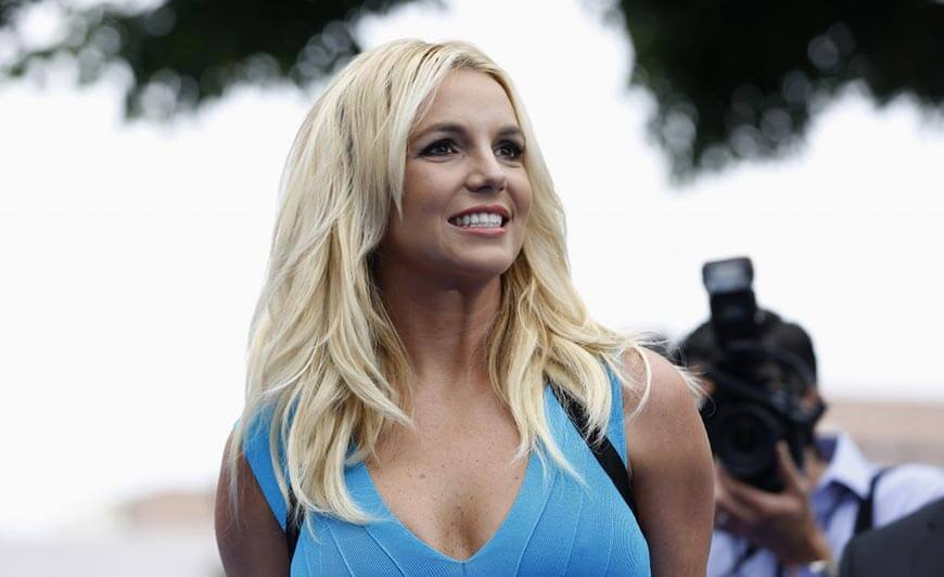 Britney Spears Smiling Photos