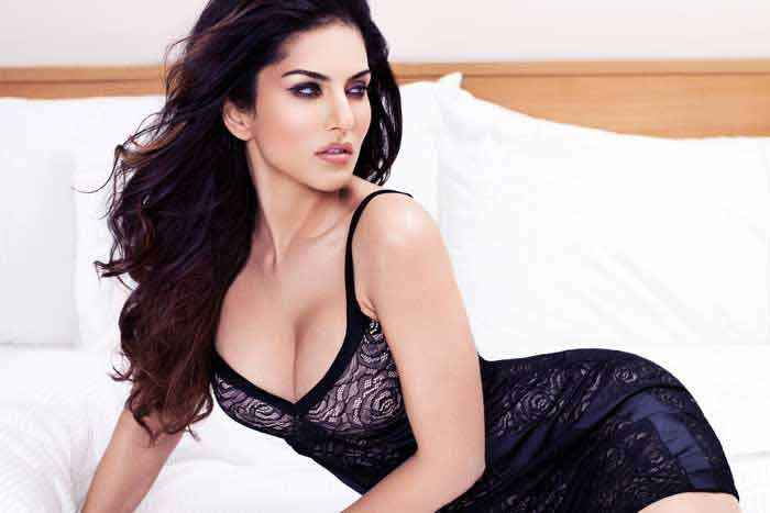 Click to download Sunny leone hot wallpapers