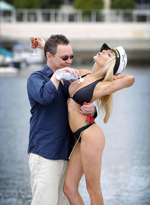 Courtney-Stodden-Bikini-photos
