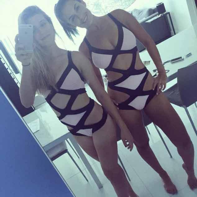 Eugenie-Bouchard-selfie-with-friend-in-lingerie
