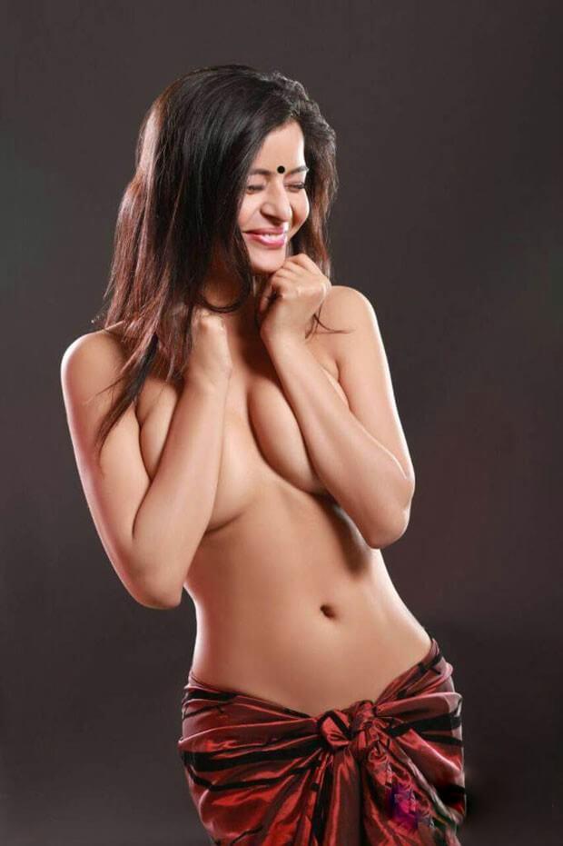 Gehana Vasisth Near Nude Images
