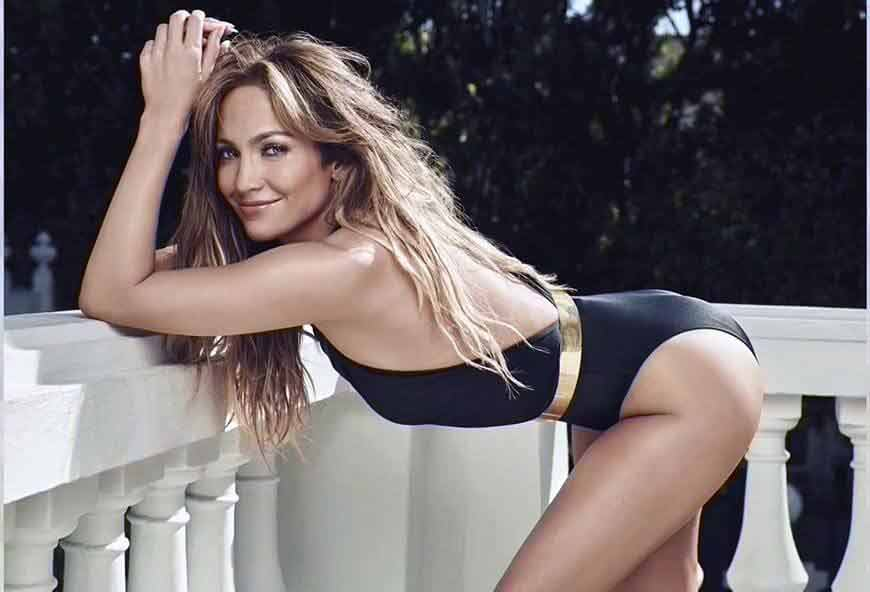 Hot-Jennifer-Lopez-HD-wallpapers-in-black-swimsuit-with-golden-belt-Biography
