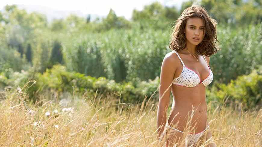 model-irina-shayk-poses-in-swimsuit-for-si-swimsuit-issue-sexy-thong-bikini-photos