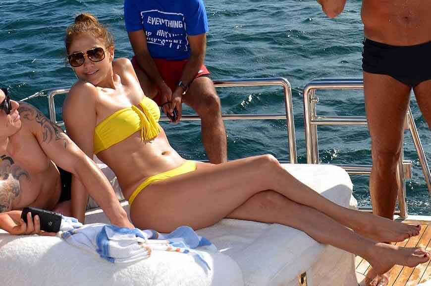 Jennifer-Lopez-Bikini-Brazil-photos