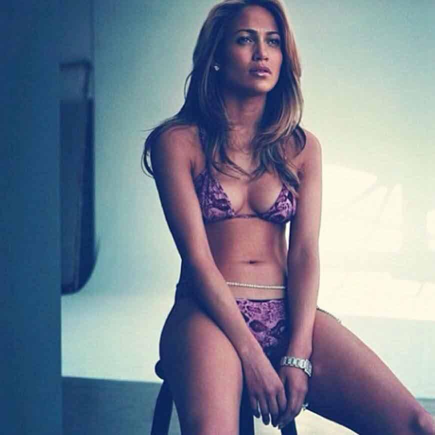 actress-jennifer-lopez-bikini-body-photos-in-hd-cleavage-of-jlo-boobs-show