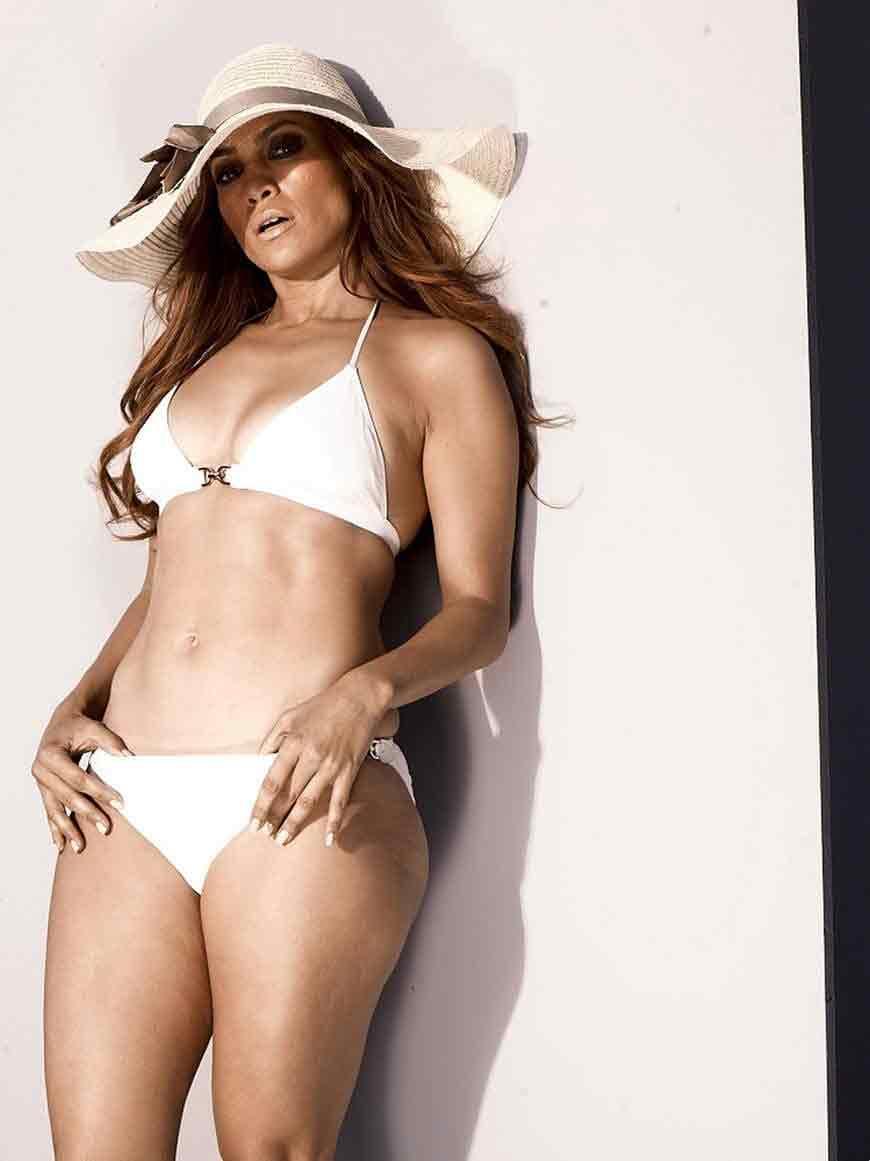 photoshoot-of-jennifer-lopez-in-white-bikini-hot-jlo