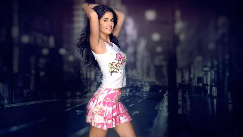 hot hd photos of katrina kaif in short skirts