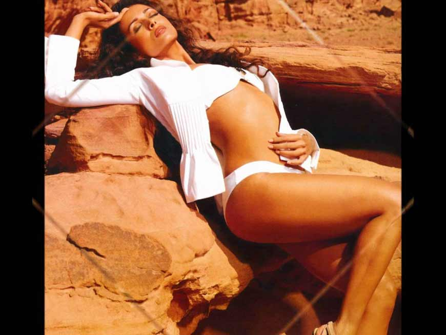 Malaika-Arora-Khan-HD-Bikini-Picture