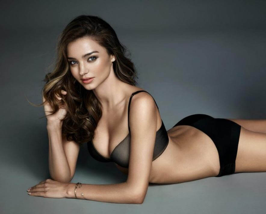 Australian Model Miranda Kerr deep cleavage in bikini