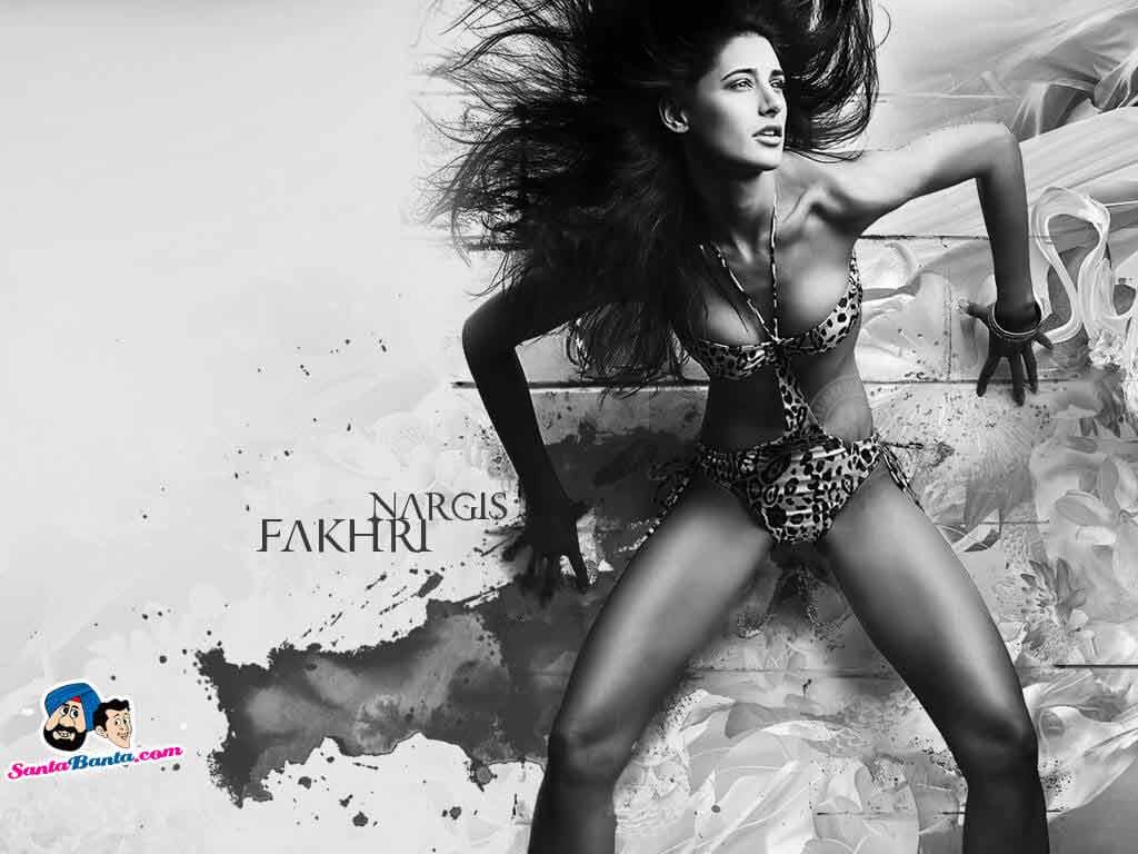 Nargis Fakhri Pictures in Tiger shade Bikini
