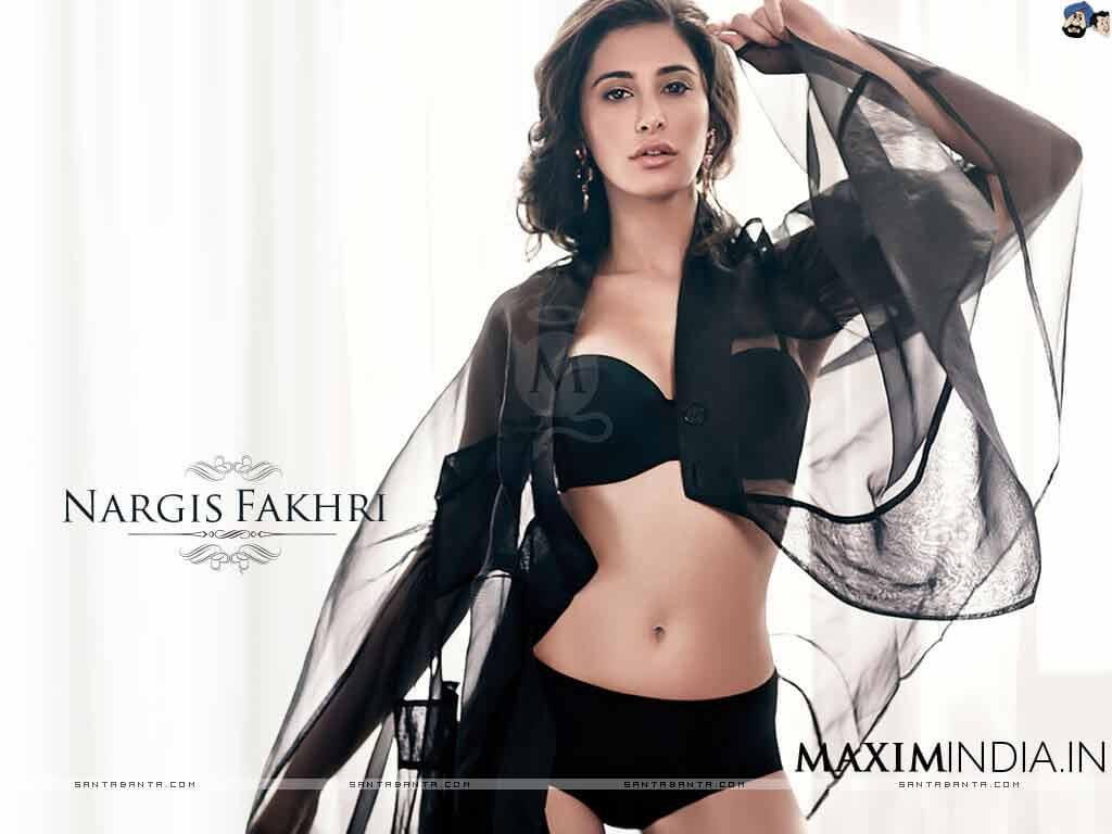Nargis Fakhri Flaunt Her Body in Black Bikini