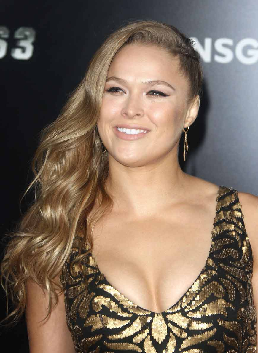 ronda rousey hot cleavage pictures
