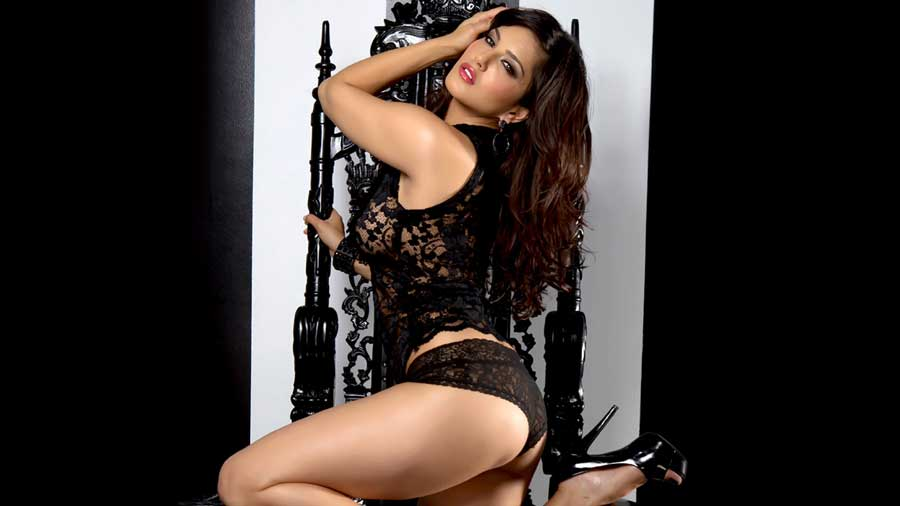 Sunny Leone HD wallpaper that can make your heart beat rapidly