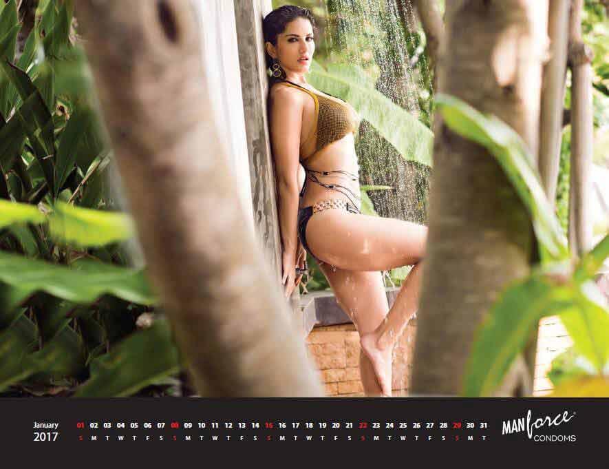 Green-bikini-pictures-of-sunny-leone