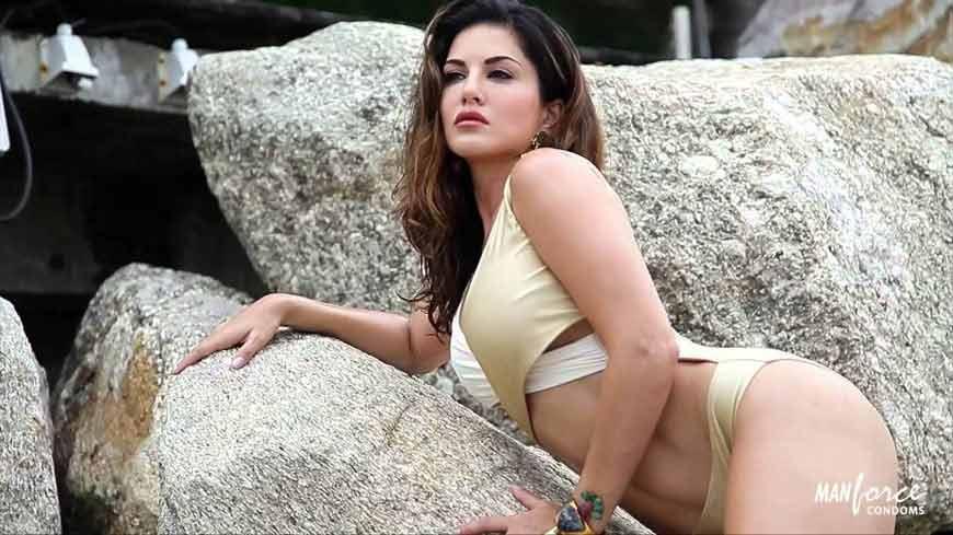 Sunny leone looking hot in silver bikini swimsuit