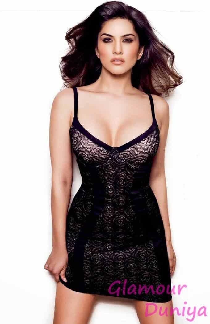 Adult star Sunny leone hot pics in bikini