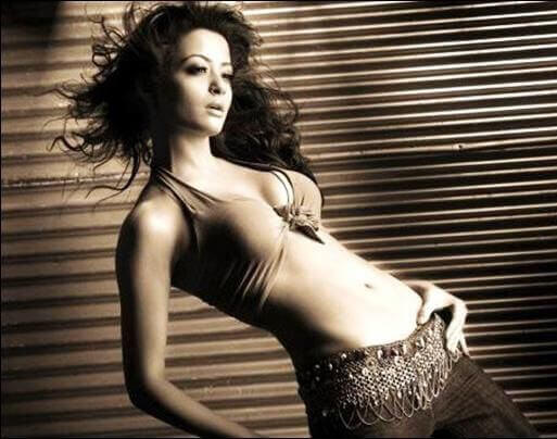 surveen chawla navel photos wearing bikini top