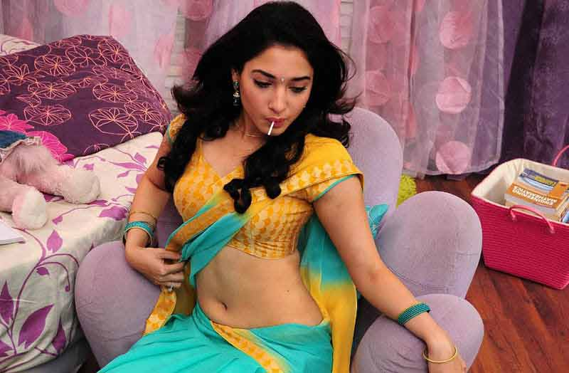 actress tamanna bhatia sexy navel show in saree