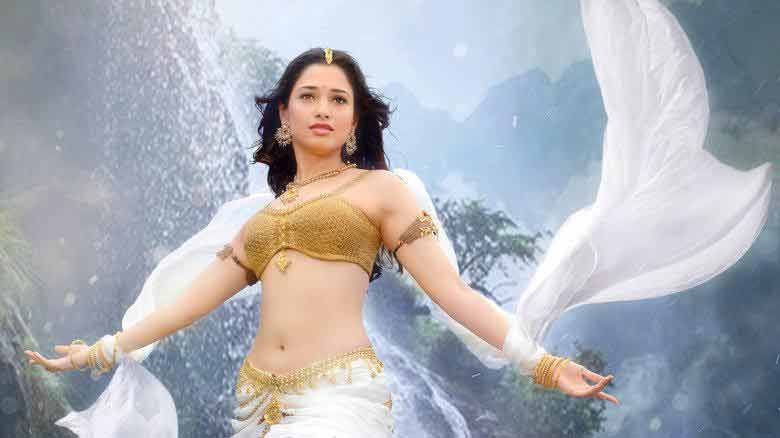 tamanna bhatia flaunting her figure in bikini