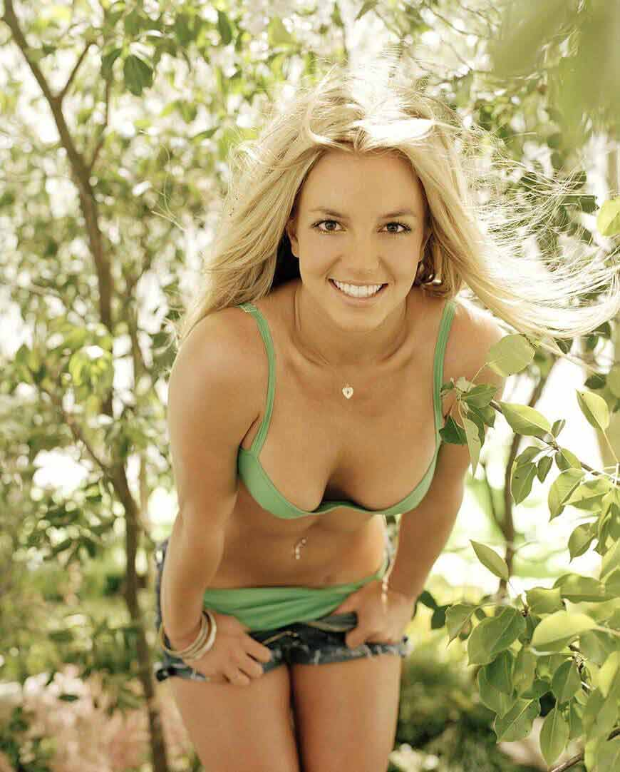 britney-spears-bikini-images-photos-in-jungle-look