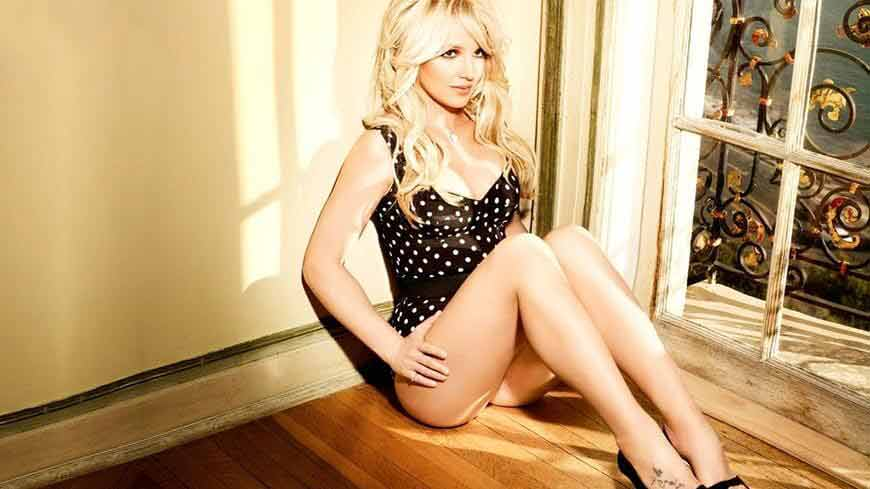 Britney-Spears-bikini-pictures-showing-her-Hot-ass-HD-Wallpapers