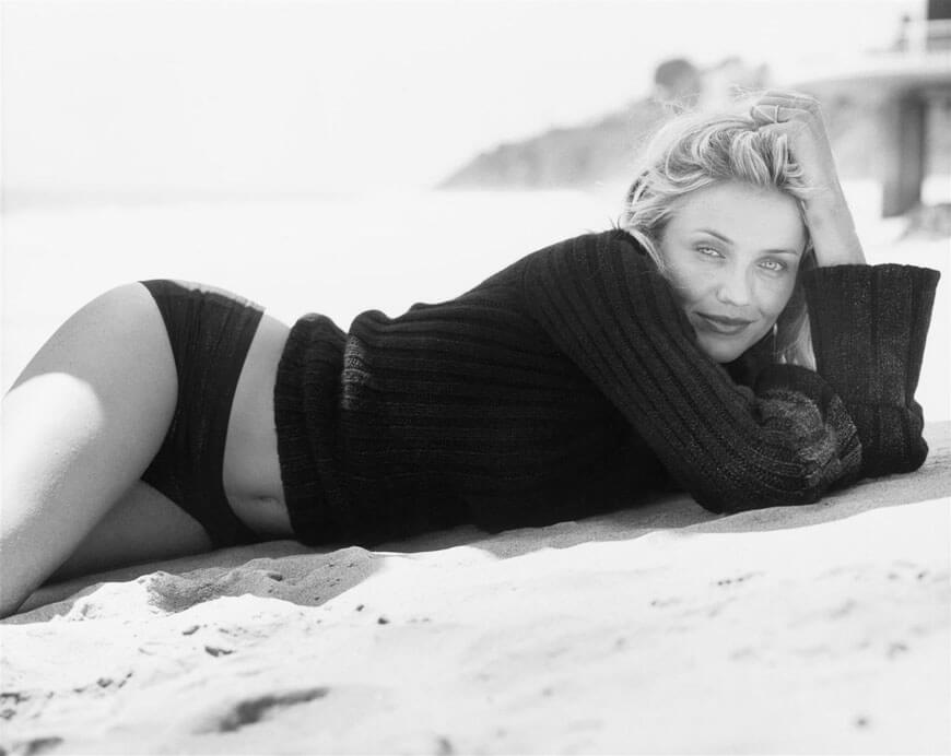 cameron diaz panty pictures lying on beach