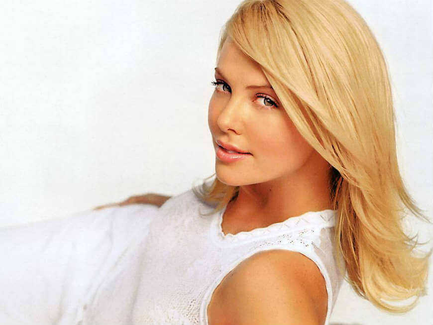 Hd Quality Photos Of Charlize Theron Looking Super Hot
