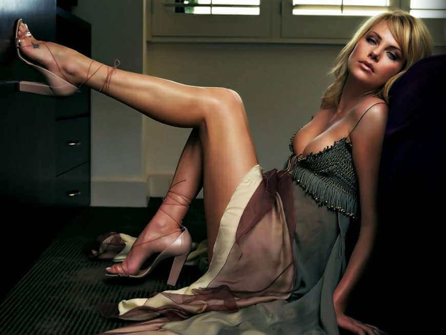charlize-theron-hot-wallpapers-showing-long-legs