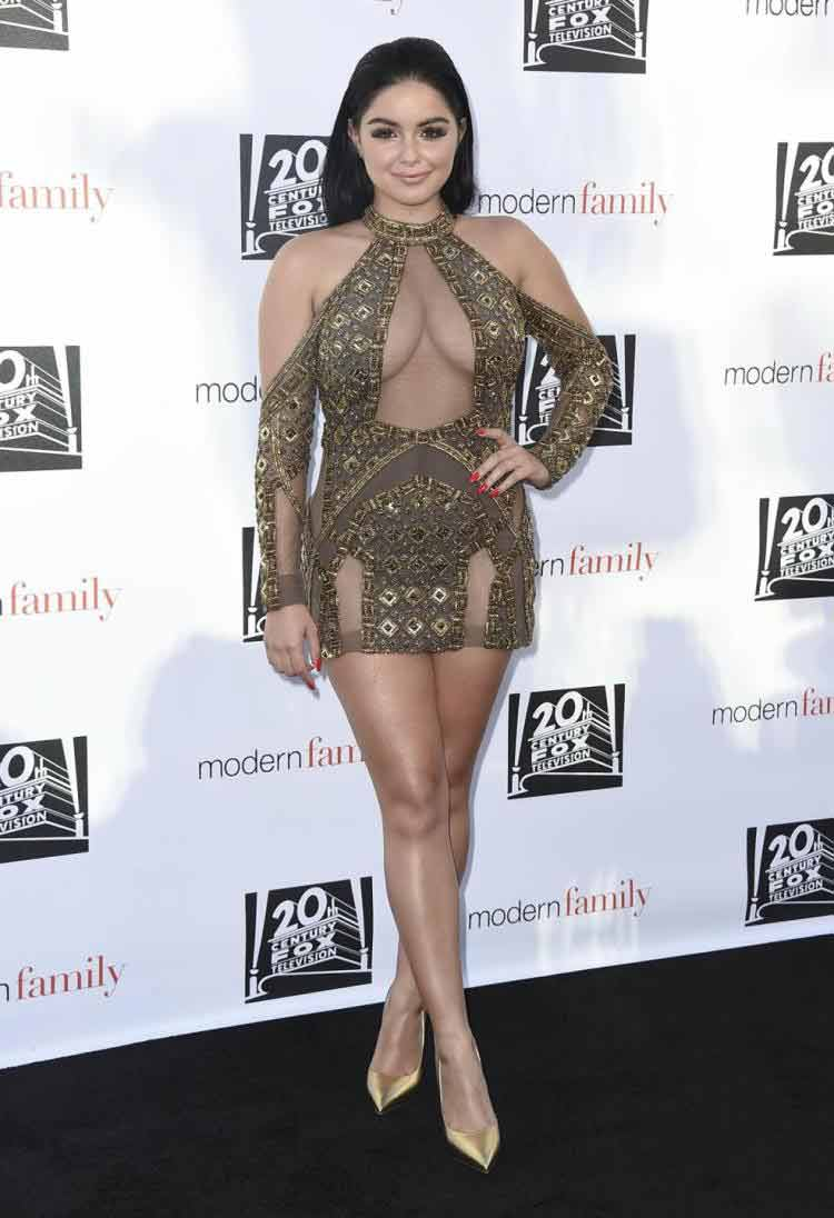 Ariel winter photos in sexy short dress deep cleavage show