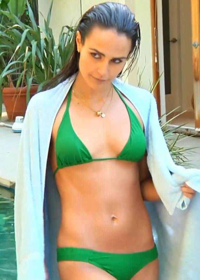 hot-actress-jordana-brewster-bikini-photos