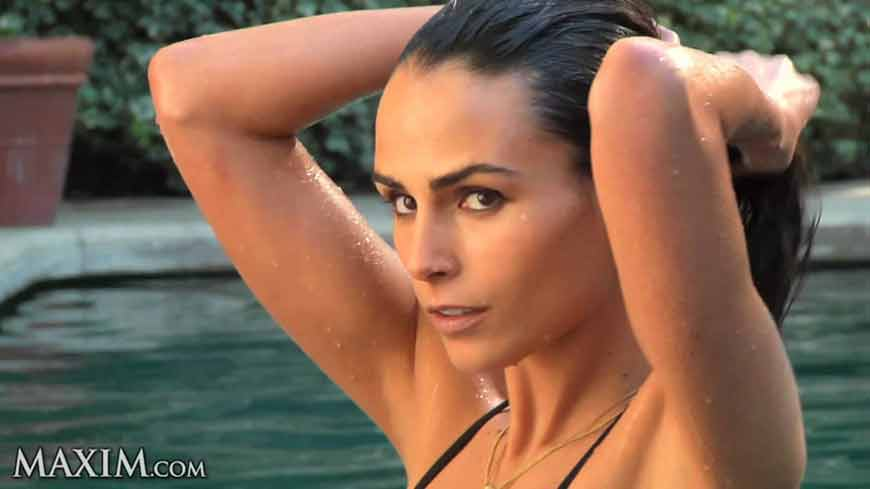 jordana-brewster-hot-images-in-water