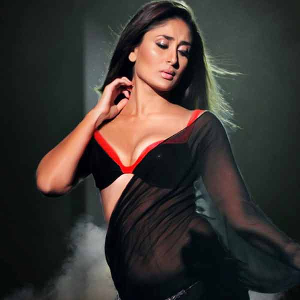 sexy-cleavage-showing-of-kareena-kapoor-in-bikini-blouse-photos