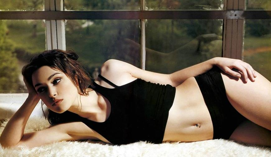 keira-knightley-hot-pictures-in-black-bikini-with-sexy-legs