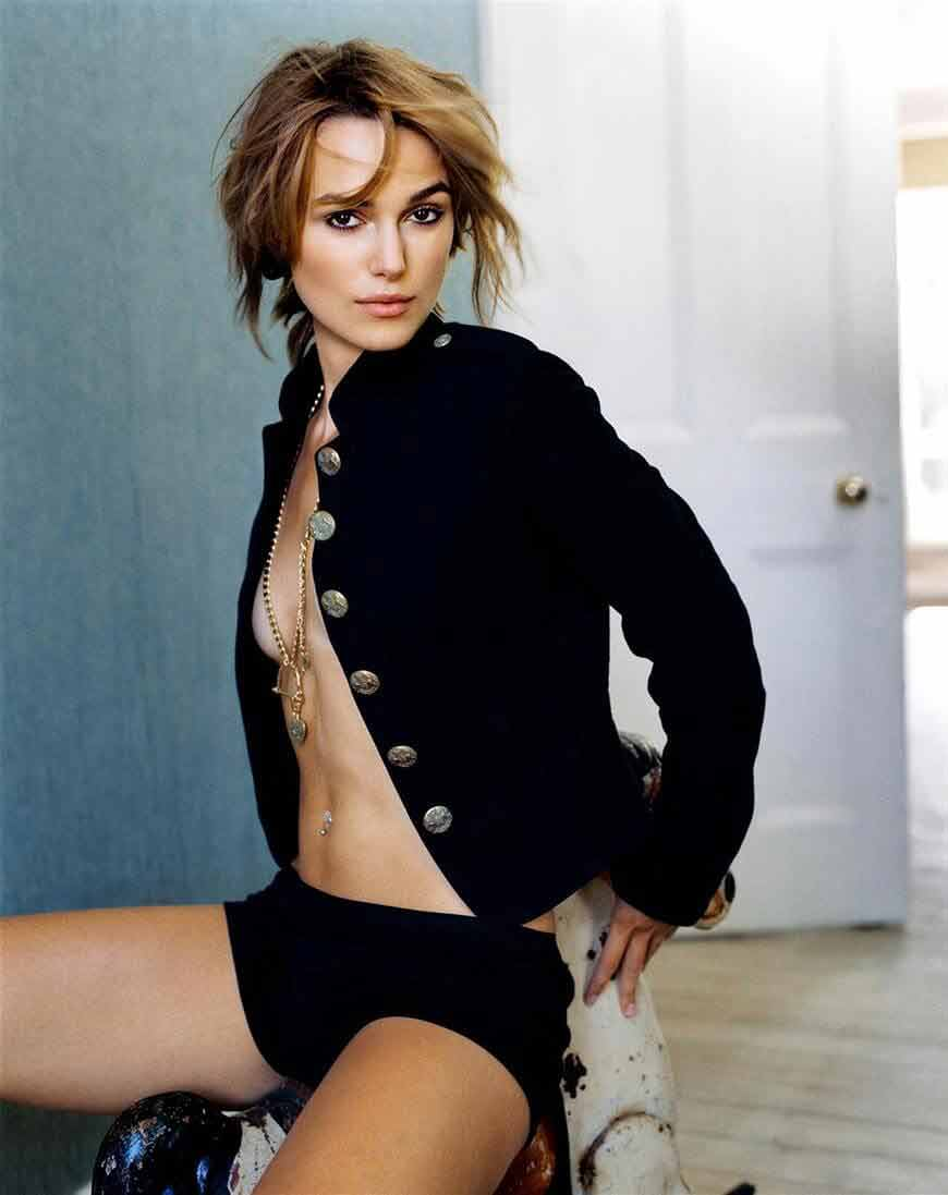 sexy-boobs-show-by-keira-knightley