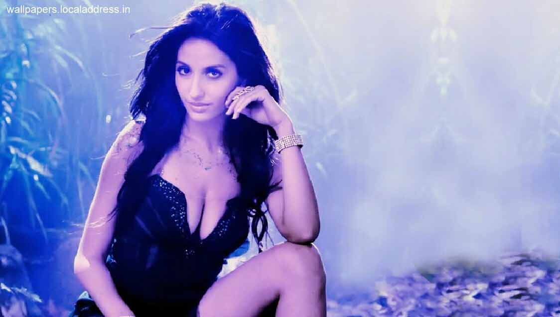 huge-cleavage-pictures-of-nora-fatehi