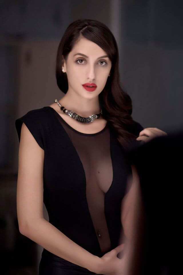 sexy-boobs-pictures-of-nora-fatehi-in-black-dress