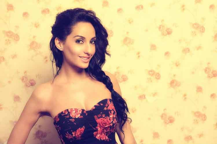 cute-smiling-images-of-nora-fatehi