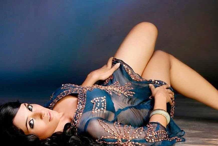 sexy bikini pictures of richa chadda