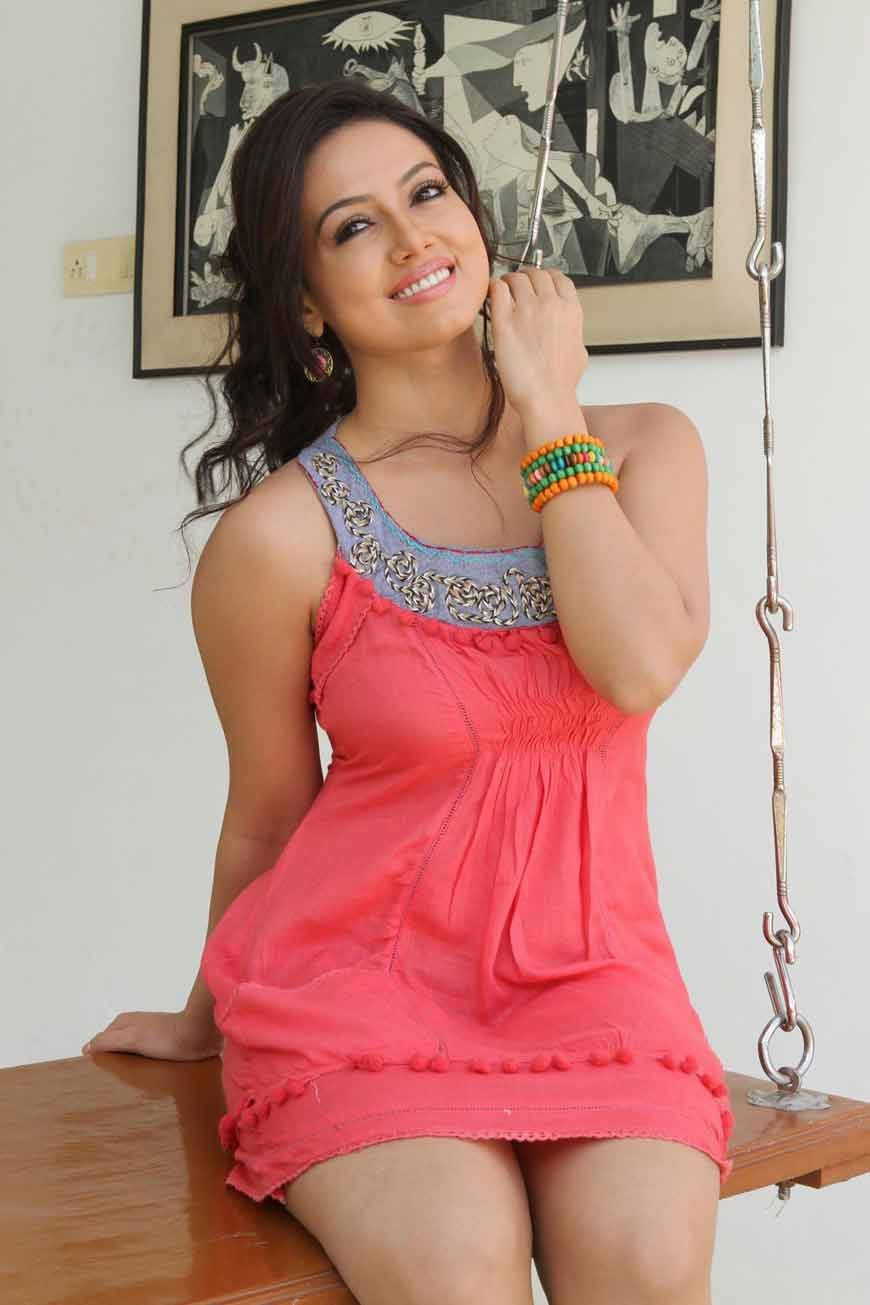 sana khan hot pictures with big smile