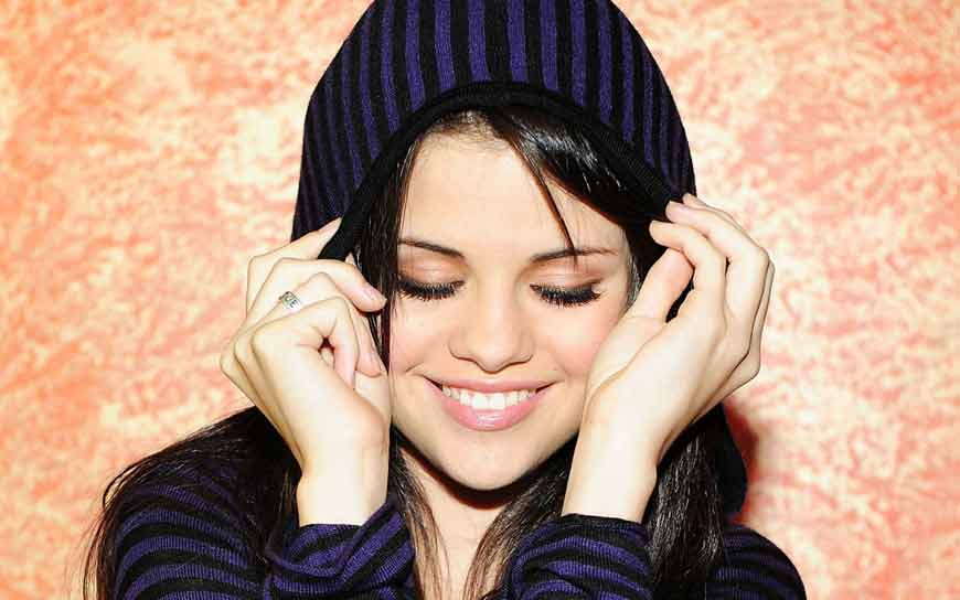 selena gomez most beautiful wallpapers fit for wide screens