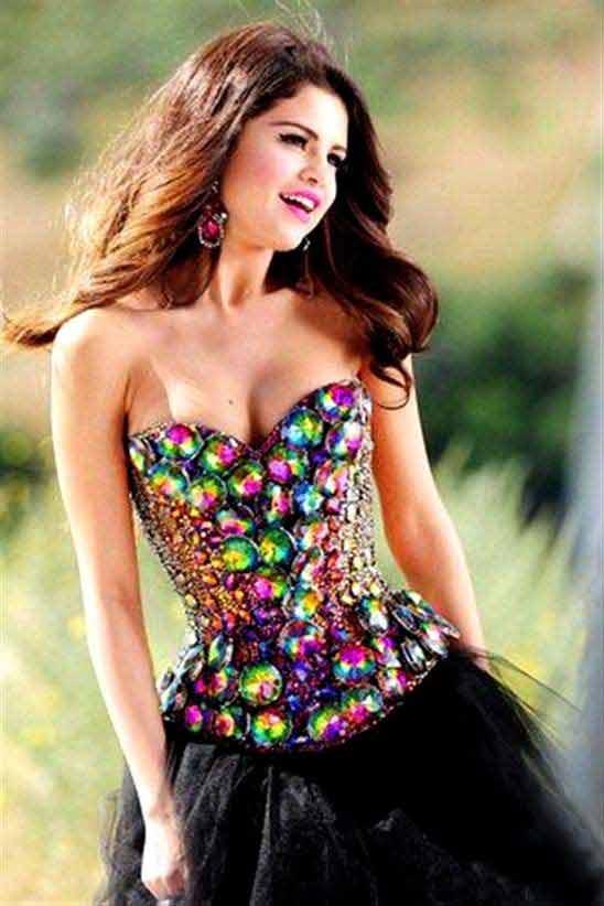 selena gomez hot pictures in short dress