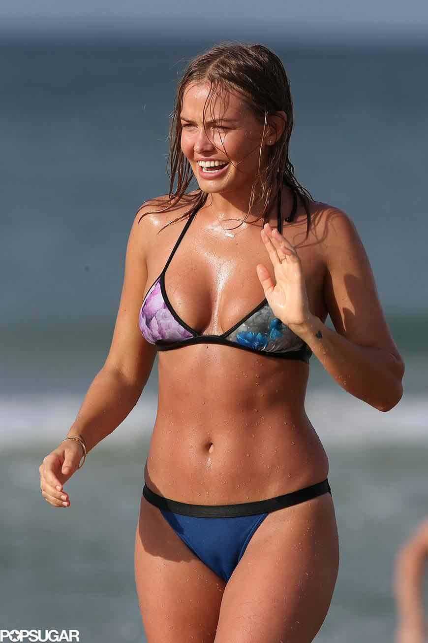 Lara-Bingle-sexy-bikini-photos-shows-boobs-and-curvy-body