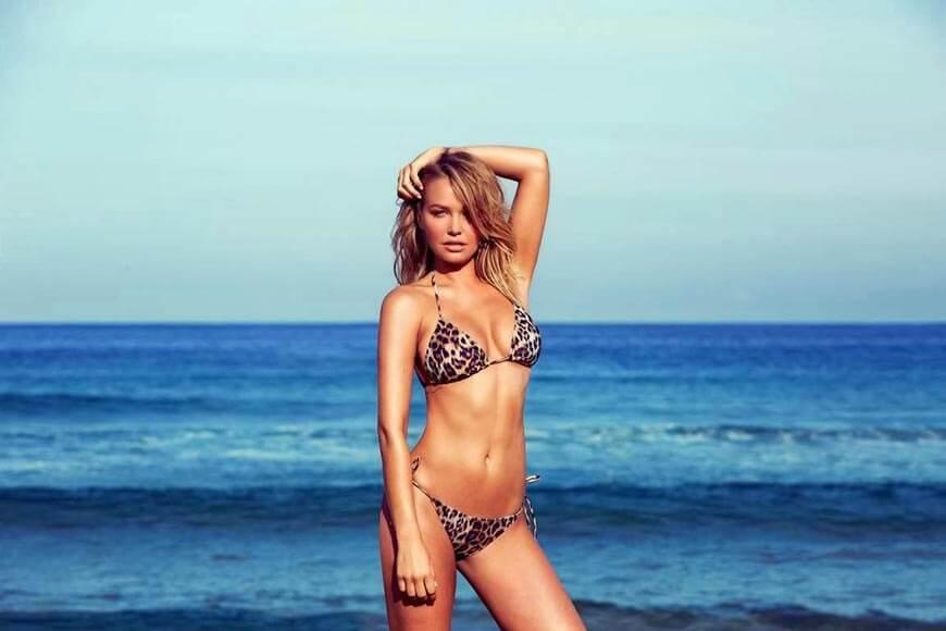 sexy-Lara-Bingle-bikini-photos-in-tiger-shade-printed-swimsuit-showing-her-hot-body-assets