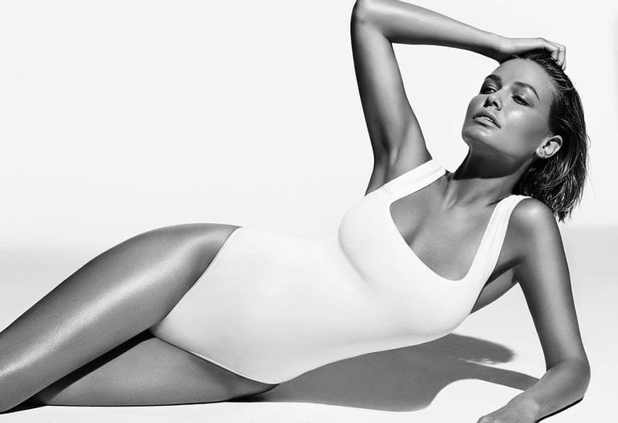 Lara-Bingle-swimsuit-photoshoot