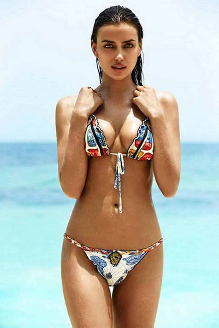 Russian-model-Irina-Shayk-shows-her-perfect-body-for-Agua-Bendita-lingerie-collection