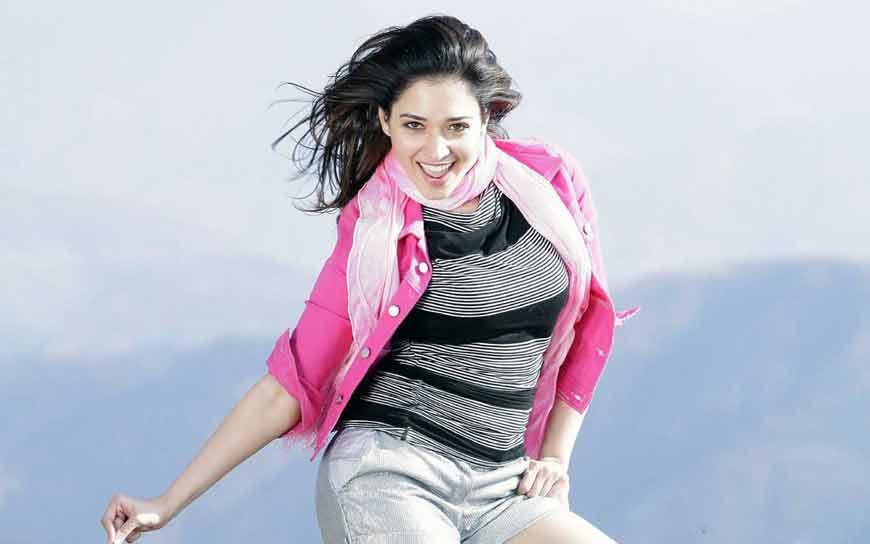 gorgeous looking actress tamanna bhatia hd pics
