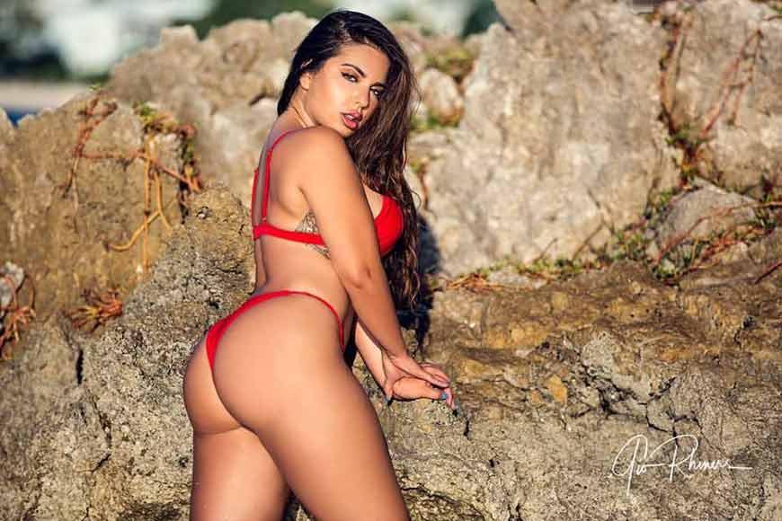 Hot-Model-Drisana-Sharma-in-red-bikini-showing-her-hot-ass-cant-ignore