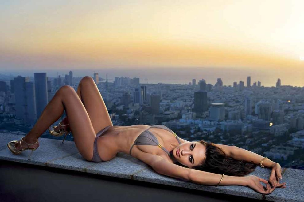 Gal-Gadot-bikini-photos-awesome-photoshoot