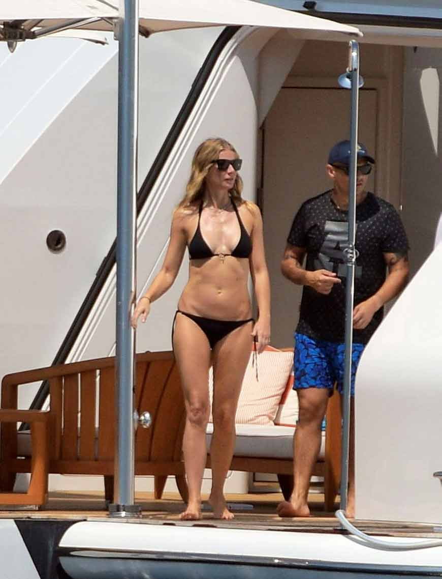gwyneth-paltrow-in-a-tiny-bikini-st-tropez-france