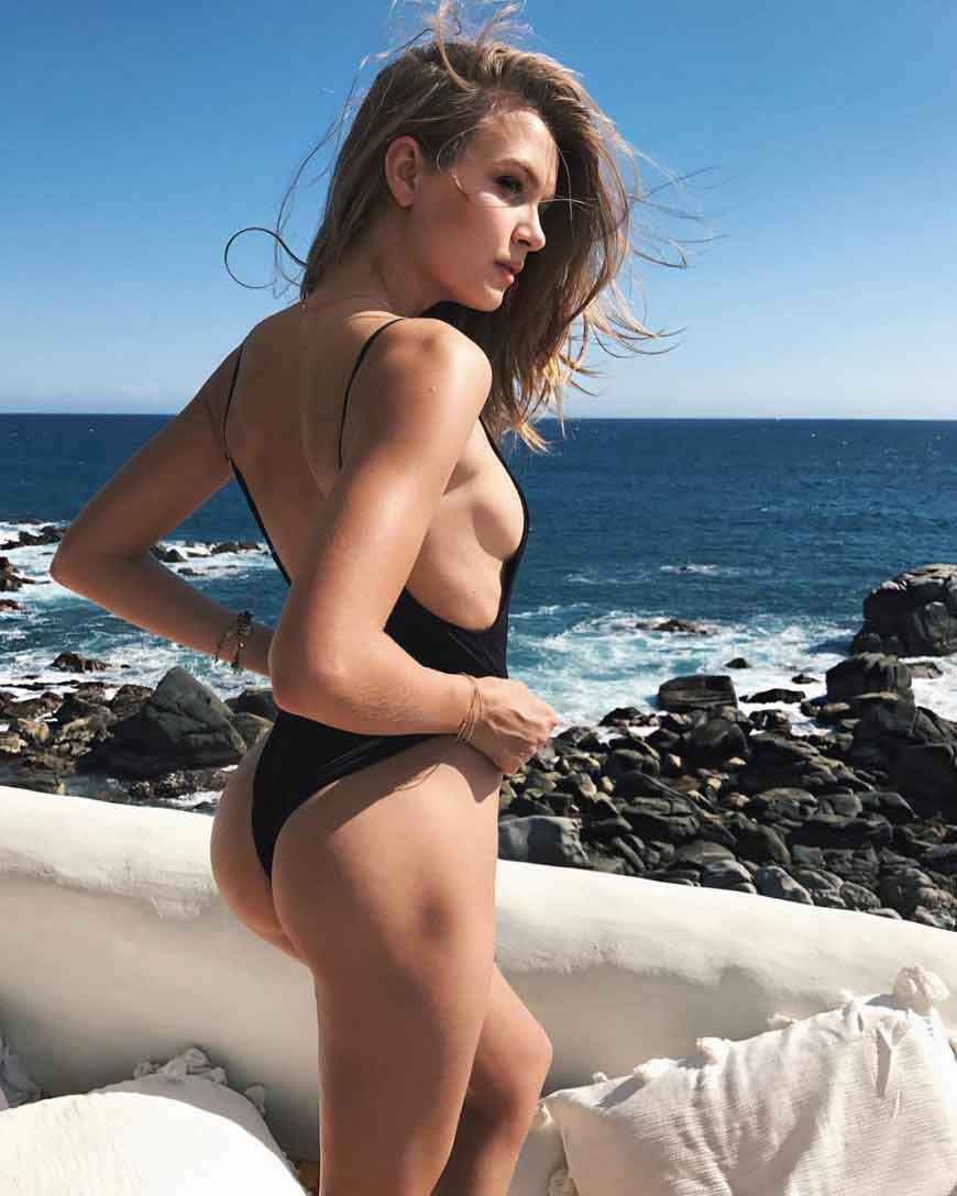 josephine-skriver-in-black-bikini-showing-sexy-butt